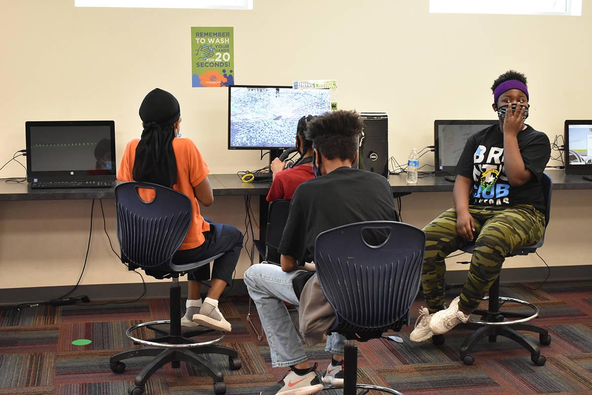 Decenas de adolescentes han participado en el programa UPS Road Cod, impulsado por Boys & Girls ...