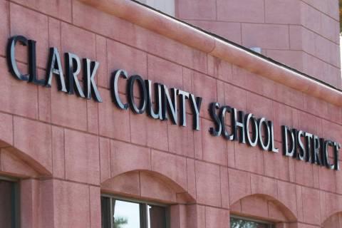 Edificio de administración del Distrito Escolar del Condado Clark (Foto de archivo del Review- ...