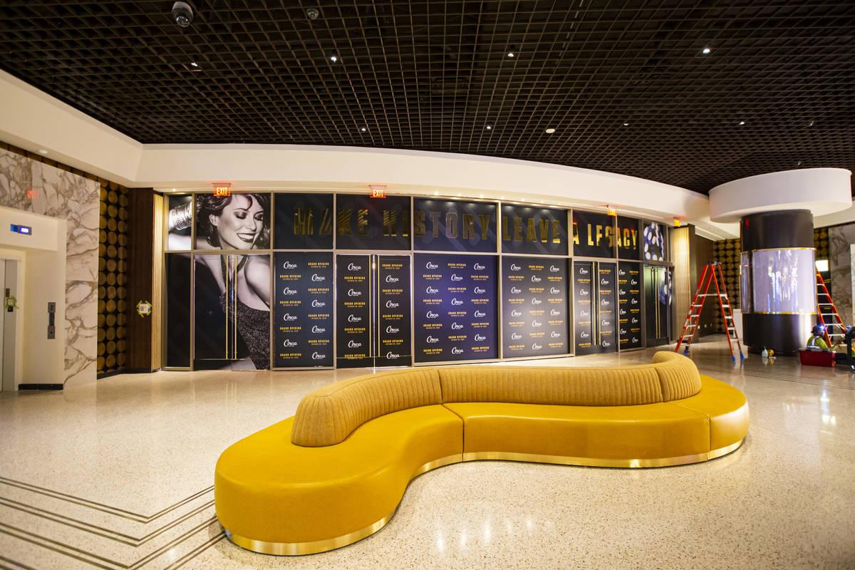Un lobby durante un tour por Circa, el primer casino construido en el centro de Las Vegas en 40 ...