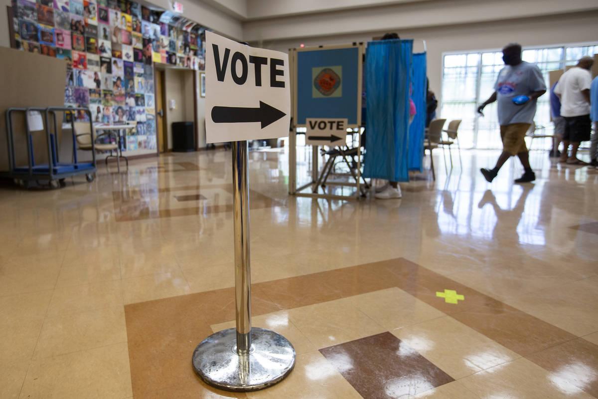 El Centro Comunitario Doolittle está abierto para la votación anticipada el sábado, 17 de oc ...