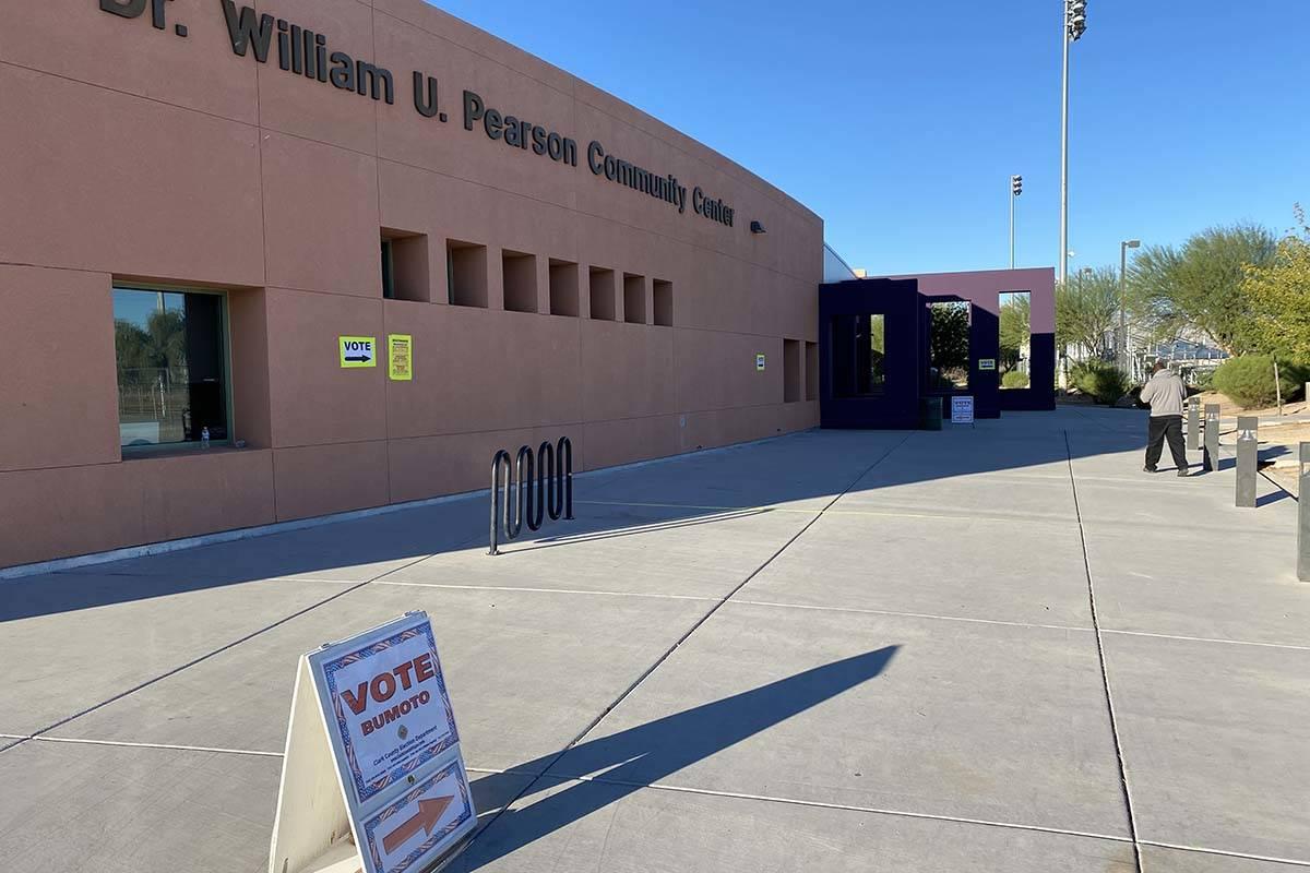 No hay fila en el último día de votación anticipada en Pearson Community Center de Las Vegas ...