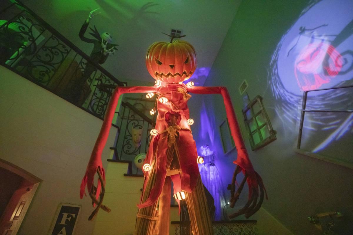 La casa de los García se ve decorada con temas inspirados en el Halloween de Disney, en Las Ve ...