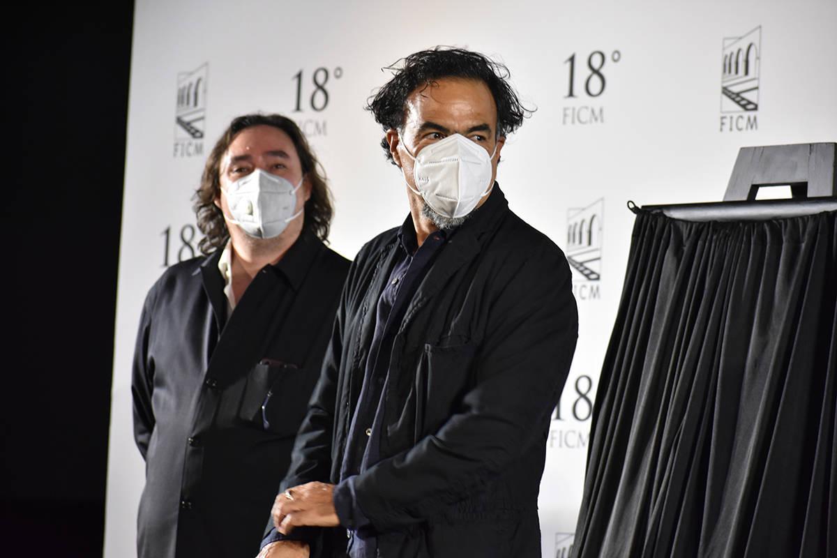 El director mexicano, Alejandro González Iñárritu, recibió tres reconocimientos durante la ...