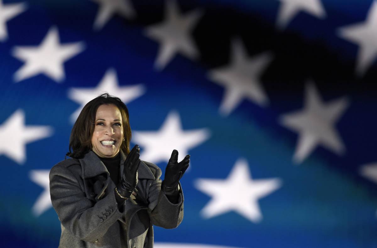 La candidata demócrata a la vicepresidencia, la senadora Kamala Harris, demócrata por Califor ...