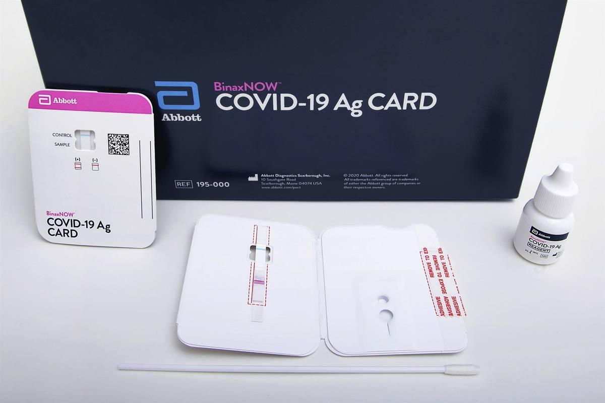 Las pruebas Ag BinaxNOW COVID-19 de Abbott (Abbott Laboratories vía AP)
