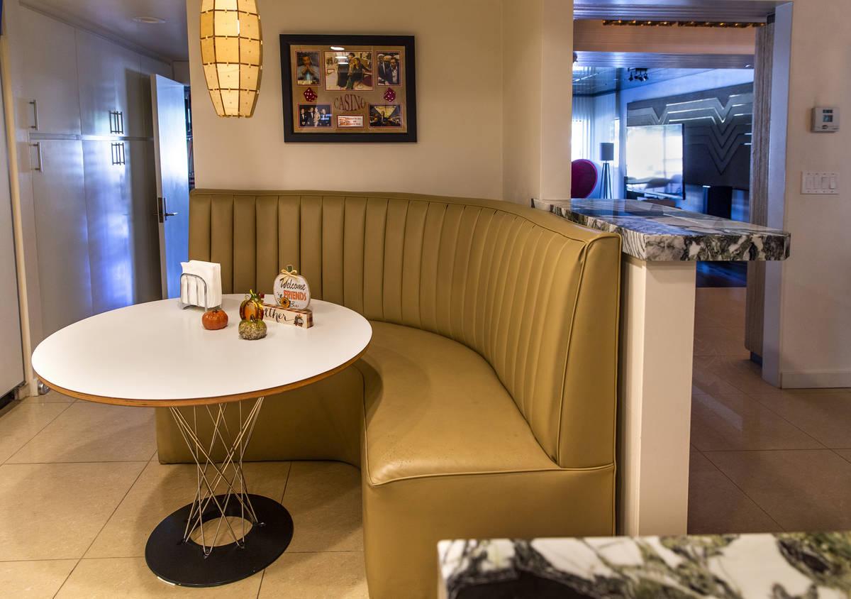 La cabina de cocina es otra gran característica de diseño conservada durante una visita a la ...