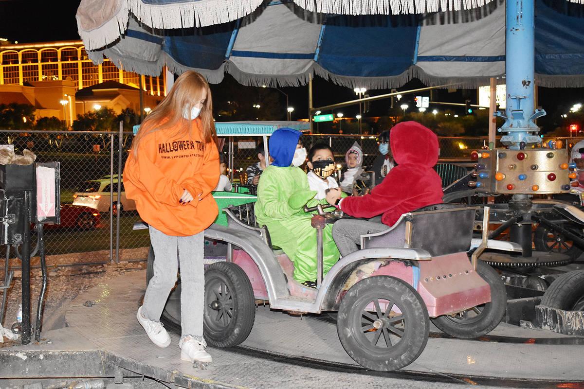 Halloween Town Pumpkin Patch, recibió una multa de $5,398, anunció de acuerdo con la Administ ...