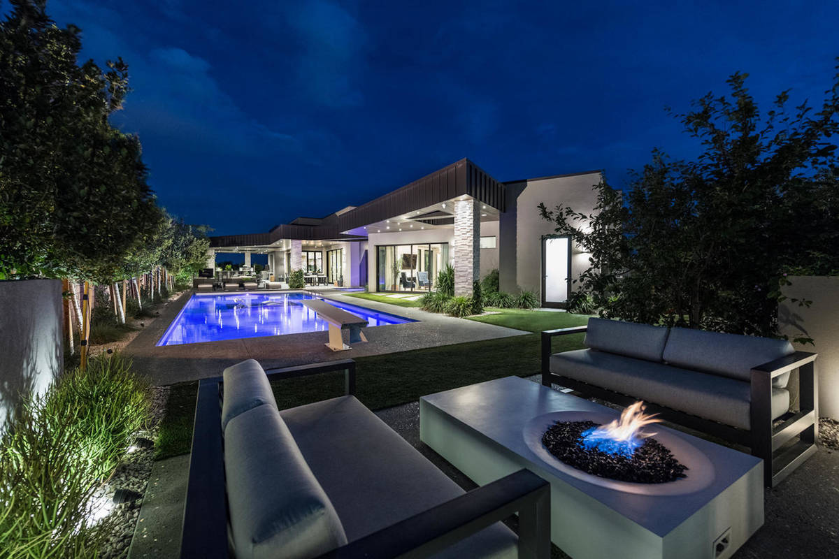 El defensor de los Golden Knights, Alex Pietrangelo, compró una mansión en Summerlin Las Vega ...