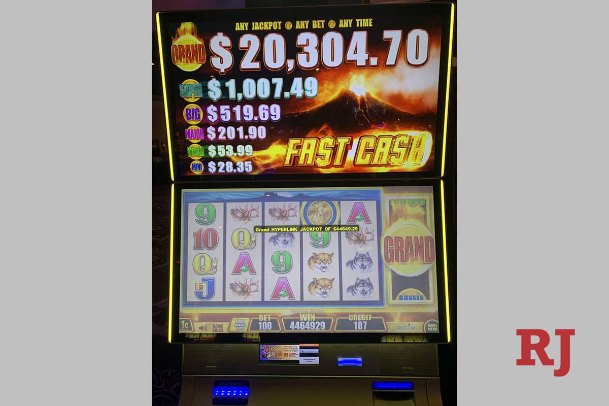 Una mujer de 98 años convirtió una apuesta de un dólar en 44,649.29 dólares el fin de seman ...