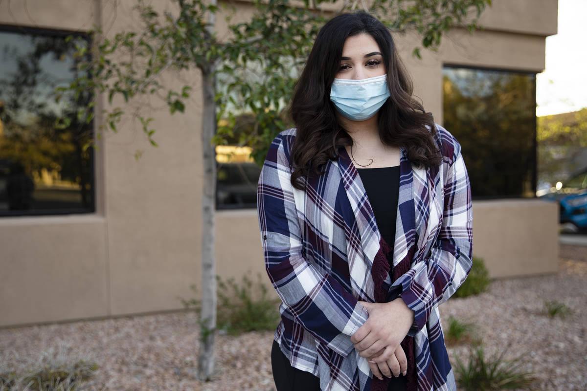 Ashleigh Cope, que contrajo una infección bacteriana carnívora en 2019 después de un procedi ...