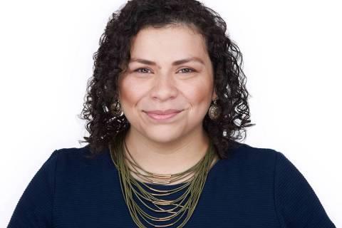 Evelyn García Morales, candidata por primera vez, es la primera Latina elegida para representa ...