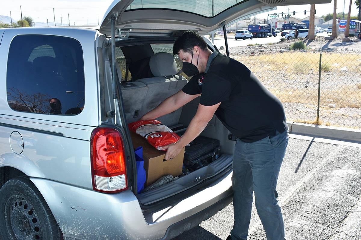Familias afectadas por la pandemia de COVID-19 recibieron ayuda alimentaria gracias a REACH, He ...