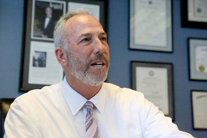 El Fiscal de Distrito del Condado Clark, Steve Wolfson, en una entrevista en su oficina el 6 de ...
