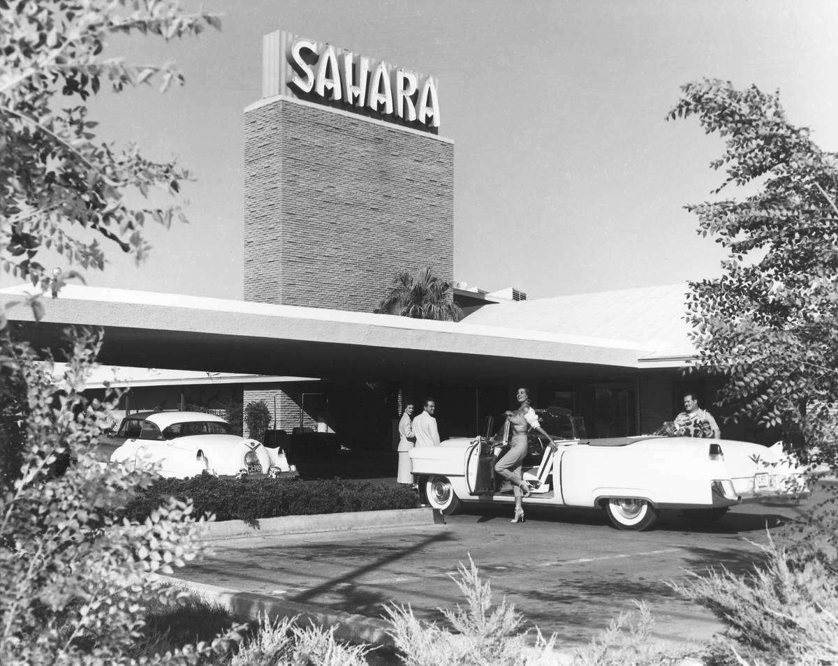 El hotel-casino Sahara en Las Vegas en esta foto de los años 50. (Archivo del Las Vegas Review ...