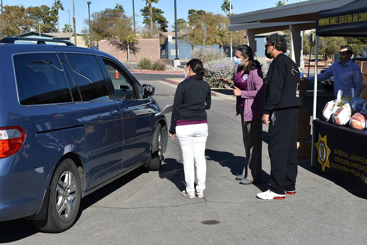La oficina de la concejal por el Distrito 3 de Las Vegas, Olivia Díaz, colaboró con agencias ...