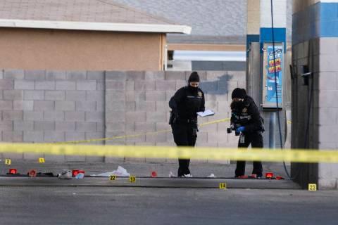 La Policía Metropolitana está investigando el tiroteo de dos personas en la intersección de ...