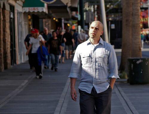 Zubin Damania, también conocido por su alter ego musical ZDoggMD, se mudó a Las Vegas para ab ...