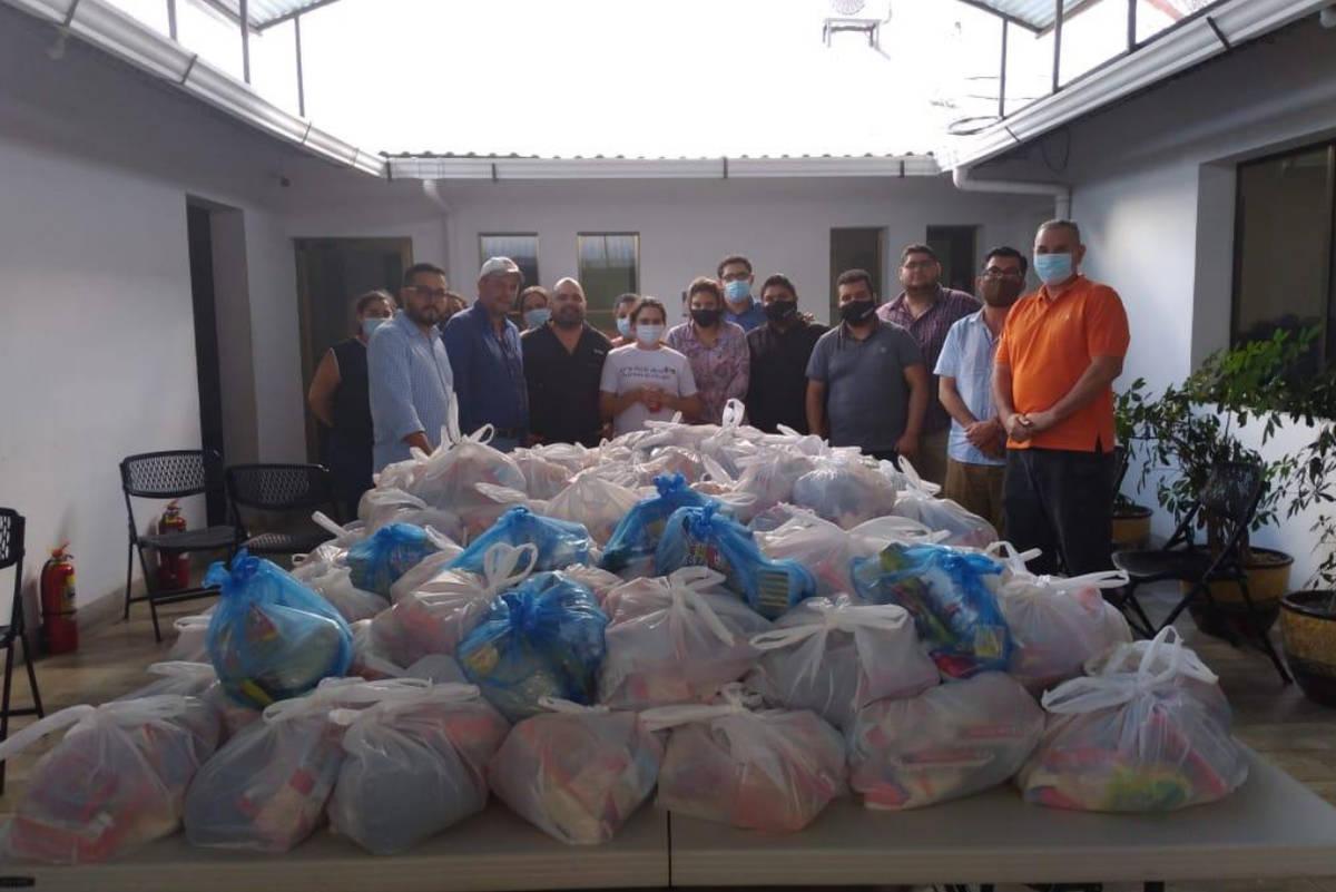 Fotos incluidas en una carta del alcalde de Diriamba, Nicaragua, que muestran las donaciones he ...