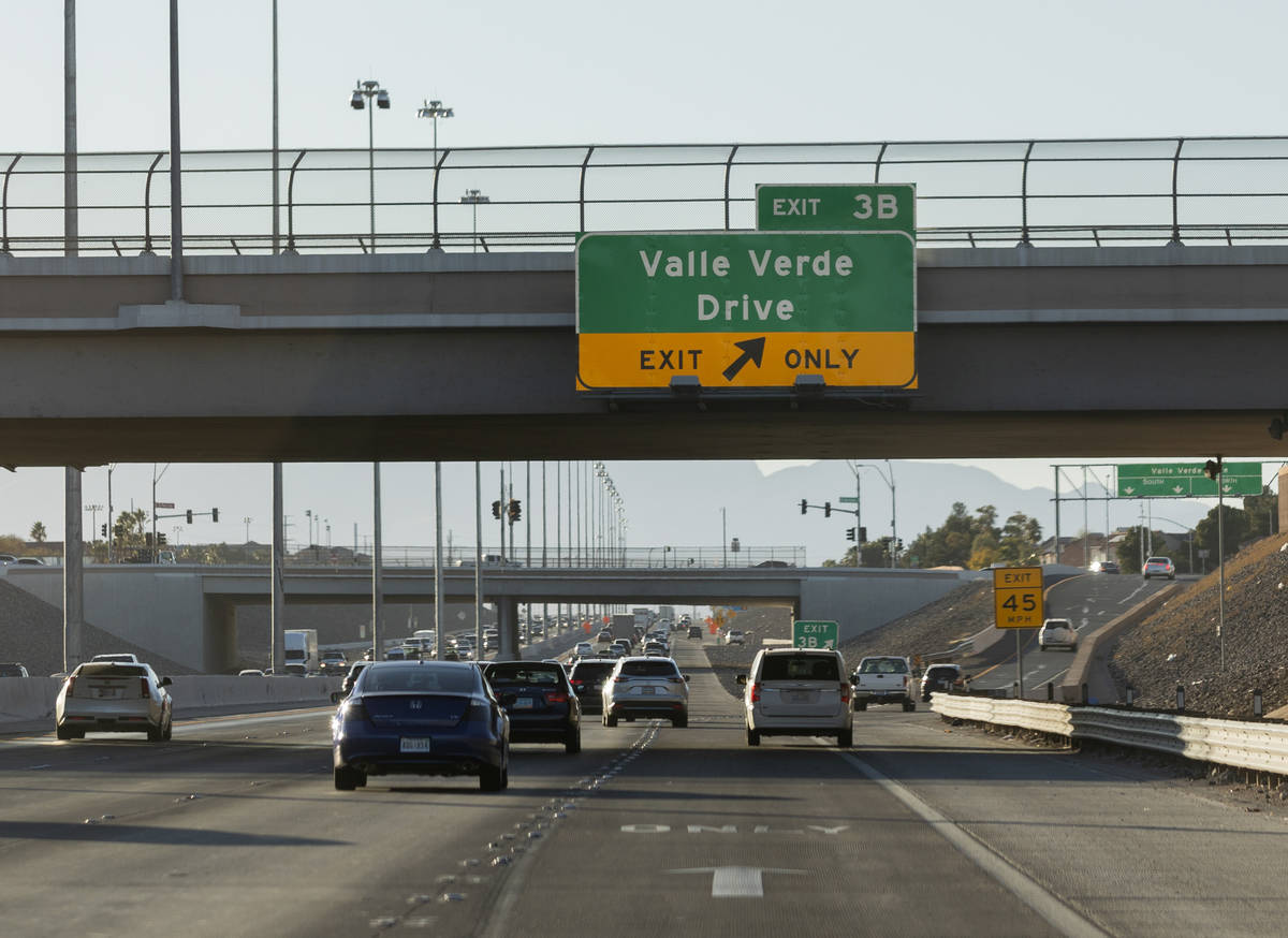 Cars travel west on the 215 Beltway near the Valle Verde Drive offramp in Henderson on Wednesda ...