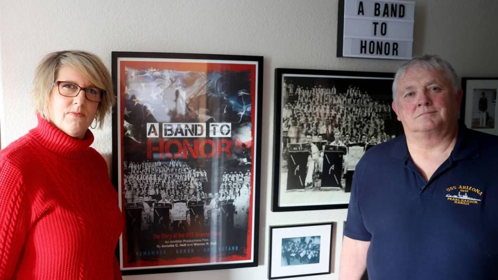 Los cineastas Warren y Annette Hull contaron la historia de la Banda U.S.S. Arizona para su doc ...