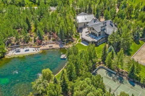 La mansión de Tony Hsieh situada en 2636 Aspen Springs Drive en Park City. (Paul Benson/Engel ...