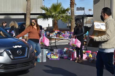 """La tercera edición del evento """"Juguetón Toy Drive"""" se hizo posible gracias a la colaborac ..."""