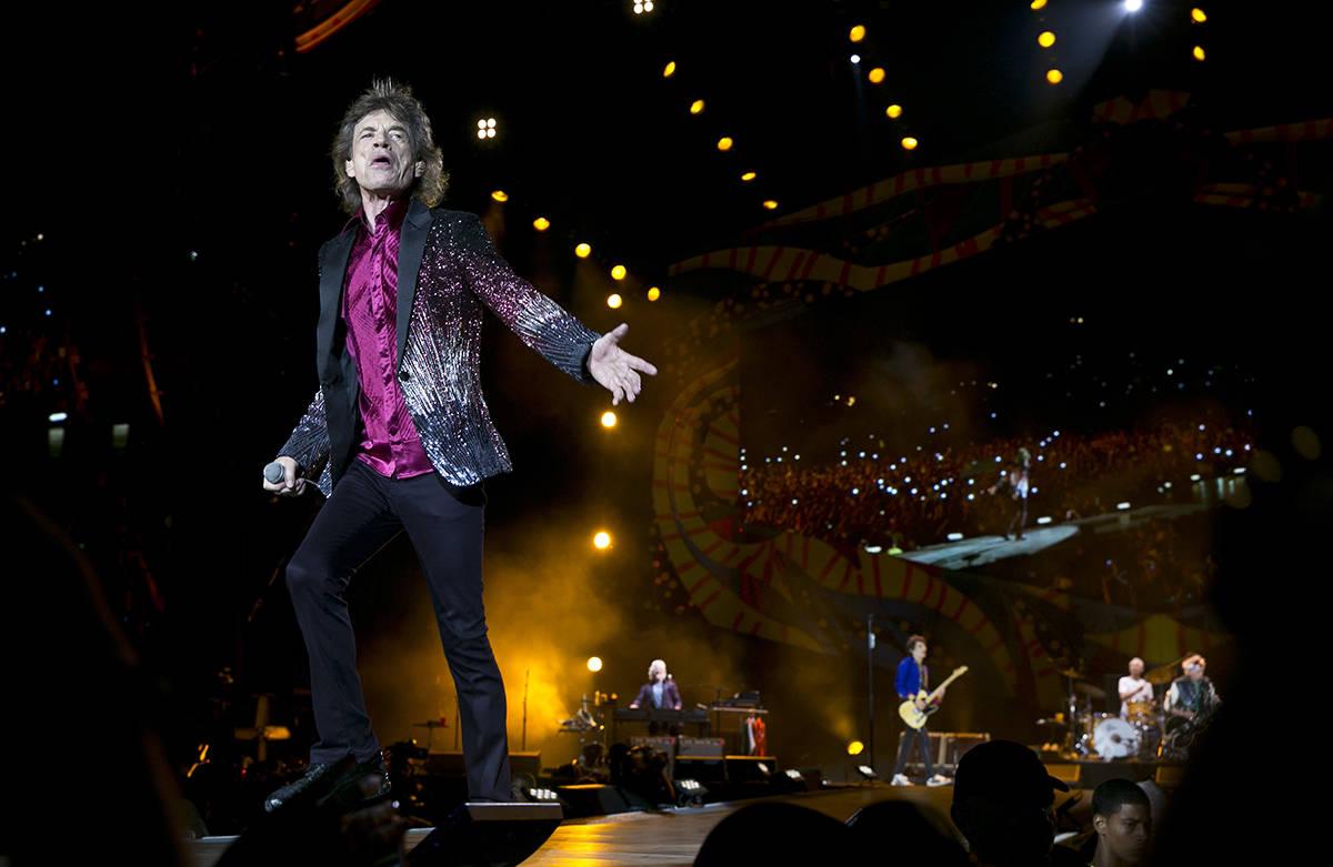 En esta fotografía de archivo del 25 de marzo de 2016, el líder de los Rolling Stones, Mick J ...
