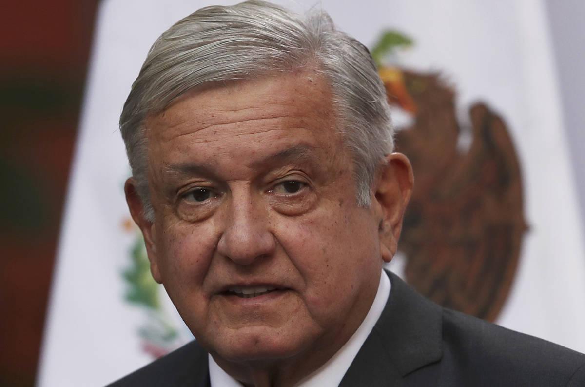 En esta fotografía de archivo del 1 de diciembre de 2020, el presidente de México, Andrés Ma ...