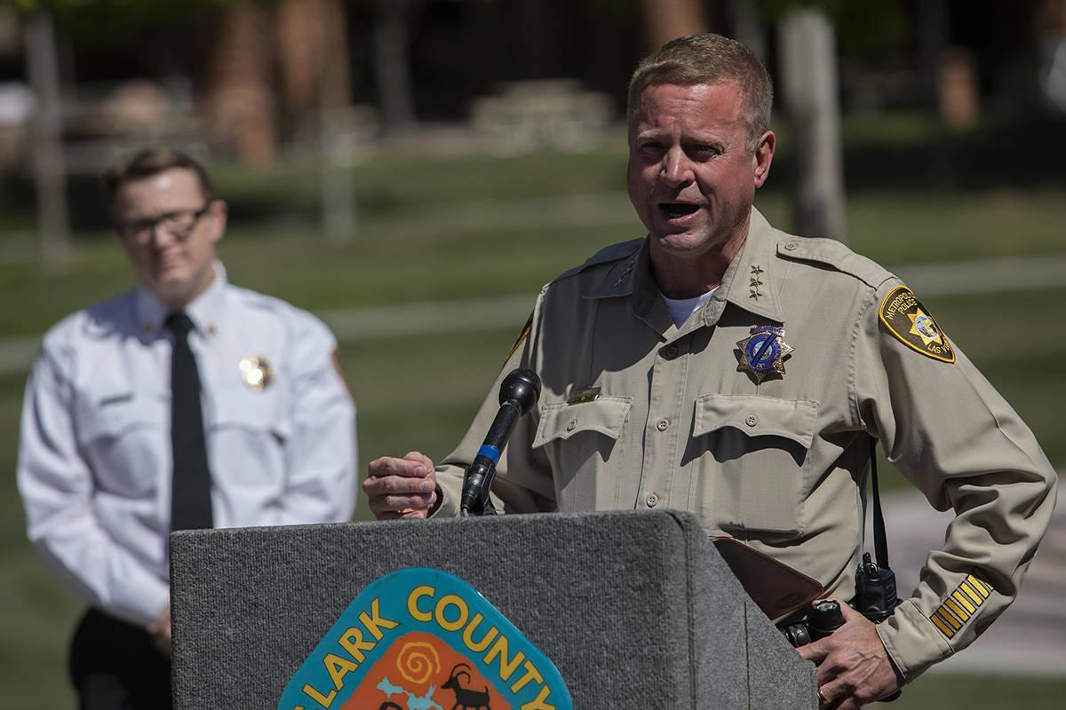 En esta foto del 1º de abril de 2020, el sub-alguacil de la policía de Las Vegas, Kevin McMah ...