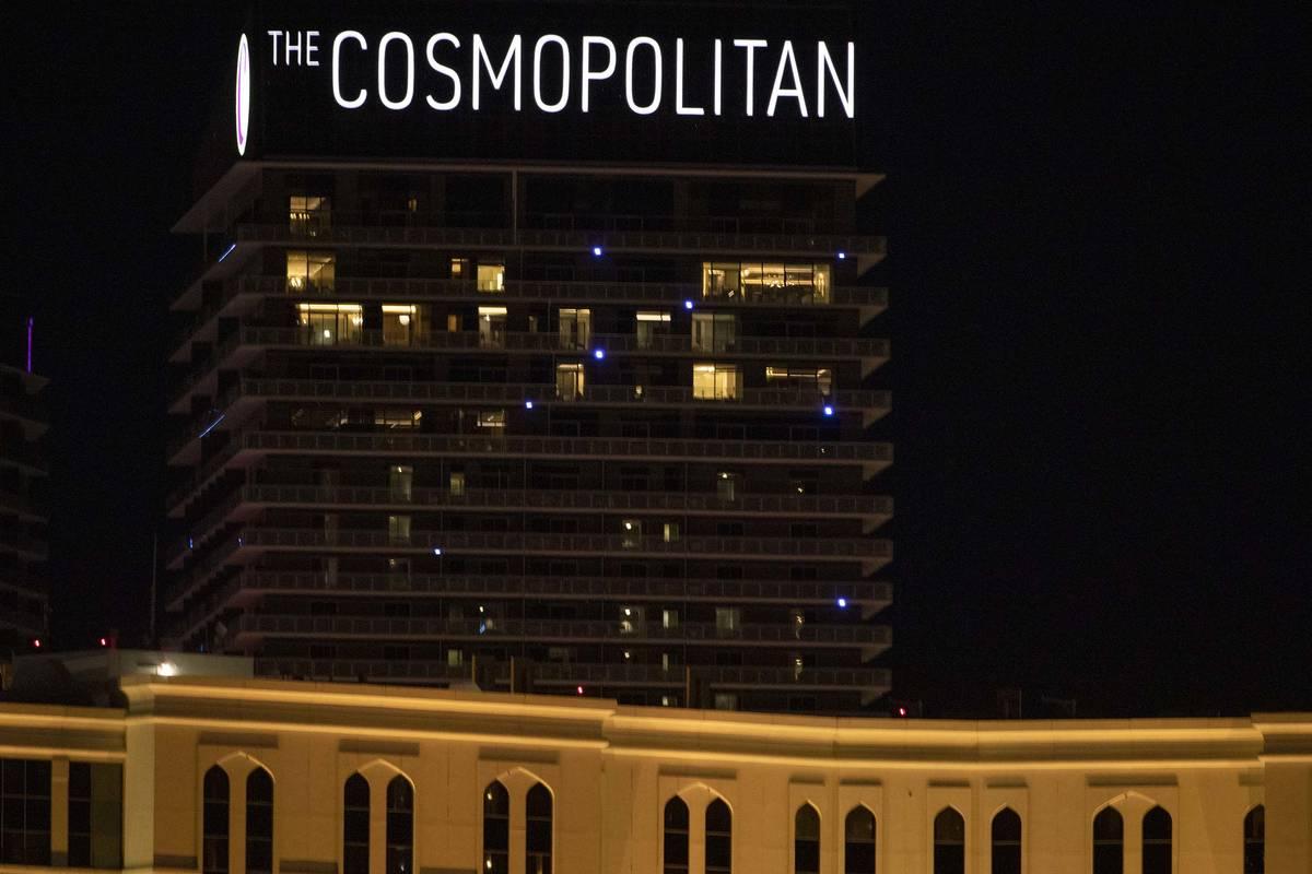 El Cosmopolitan de Las Vegas se ve en esta foto de archivo del 16 de diciembre de 2019. La poli ...
