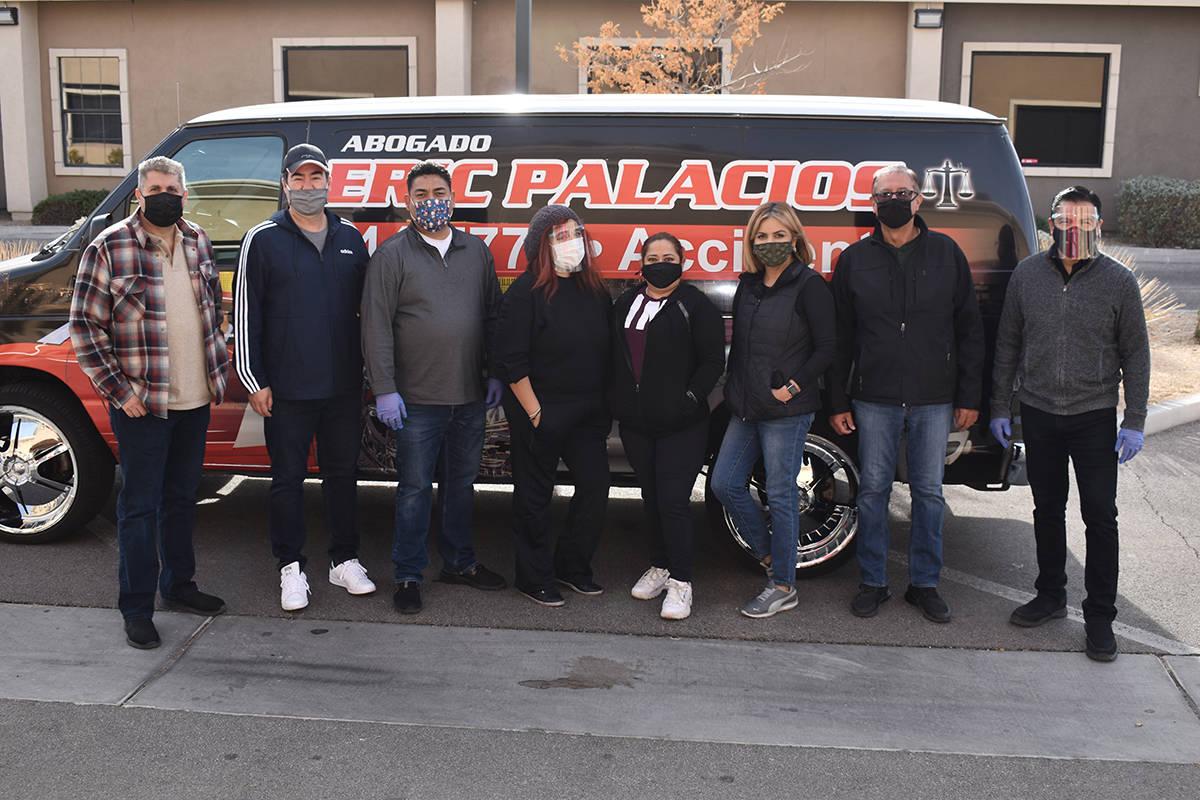 El Zapatón 2020 fue cortesía del abogado Eric Palacios. Entregaron más de 800 pares de zapat ...