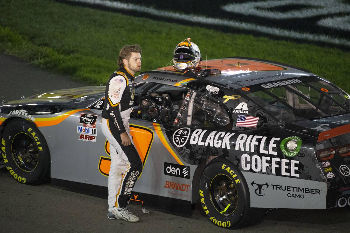 El piloto de la NASCAR Xfinity, Noah Gragson, prometió el 100 por ciento de las ganancias de s ...