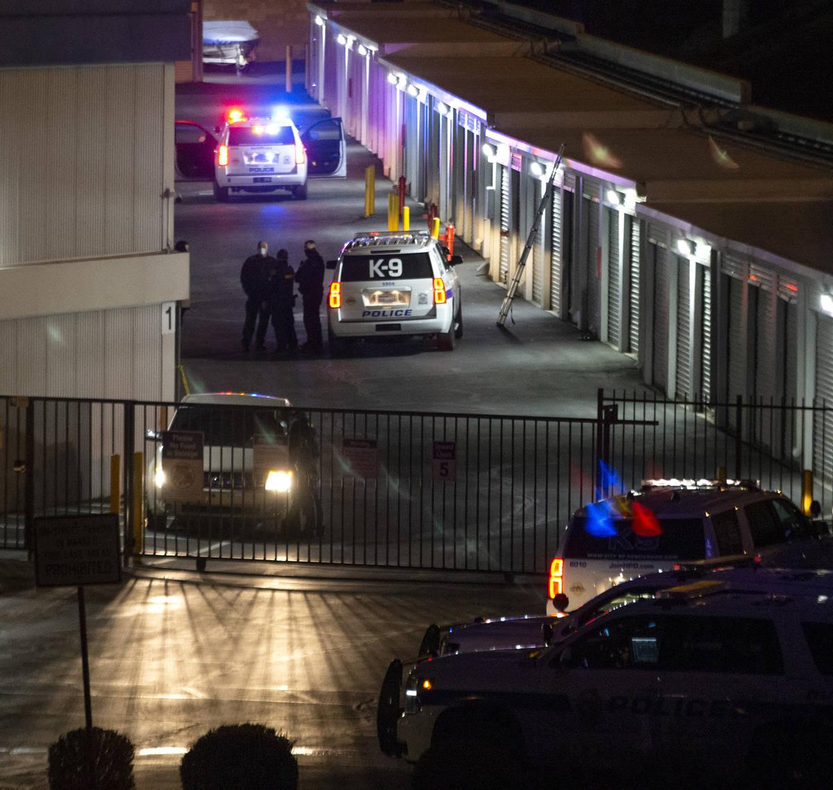 La policía de Henderson investiga lo que su oficial de información pública llamó un tiroteo ...