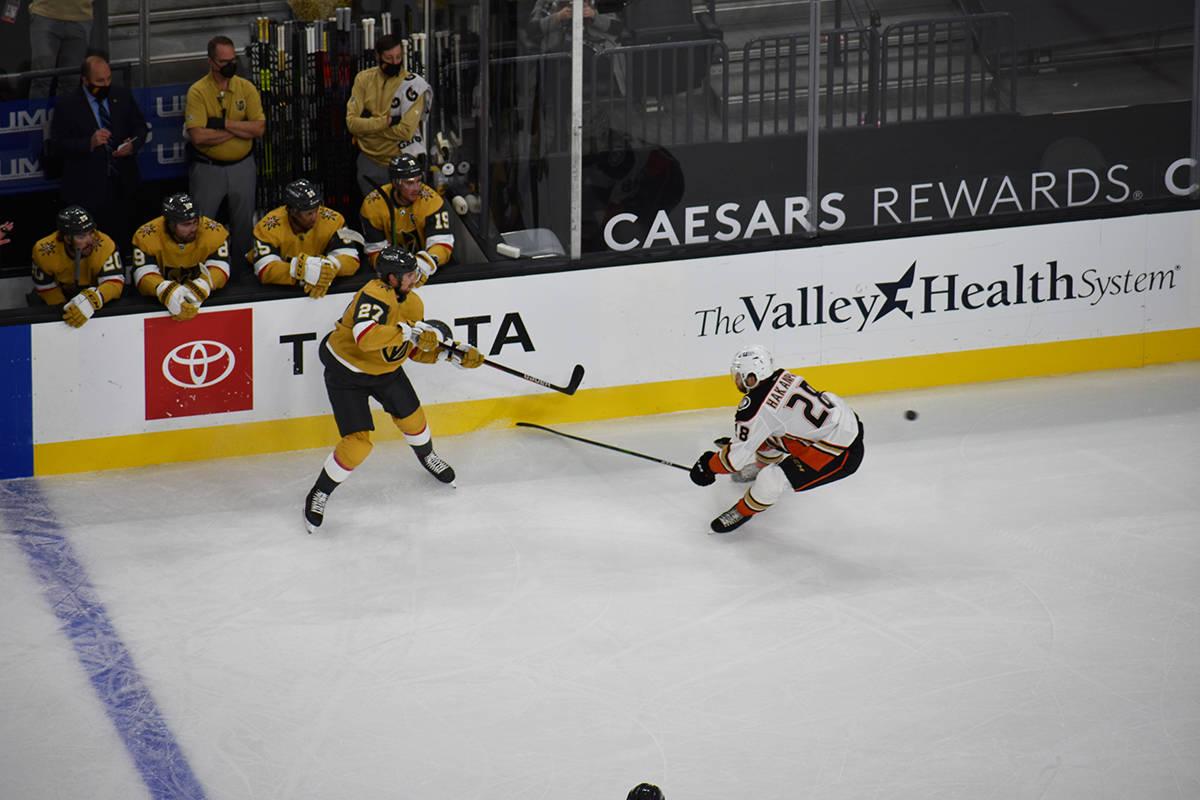 Vegas Golden Knights derrotó 2-1 a Anaheim Ducks en el segundo partido de la temporada 2020-21 ...