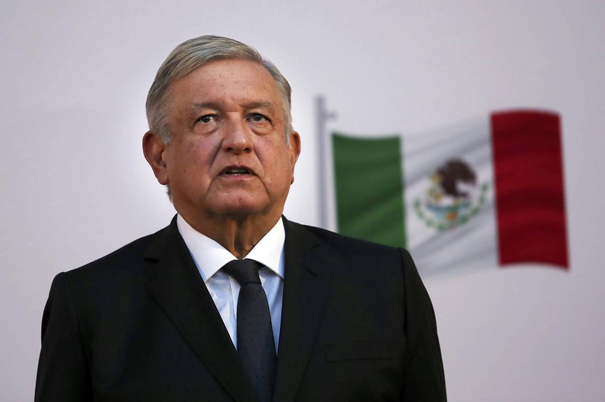 En esta fotografía de archivo del 1 de diciembre de 2020, el presidente mexicano Andrés Manue ...