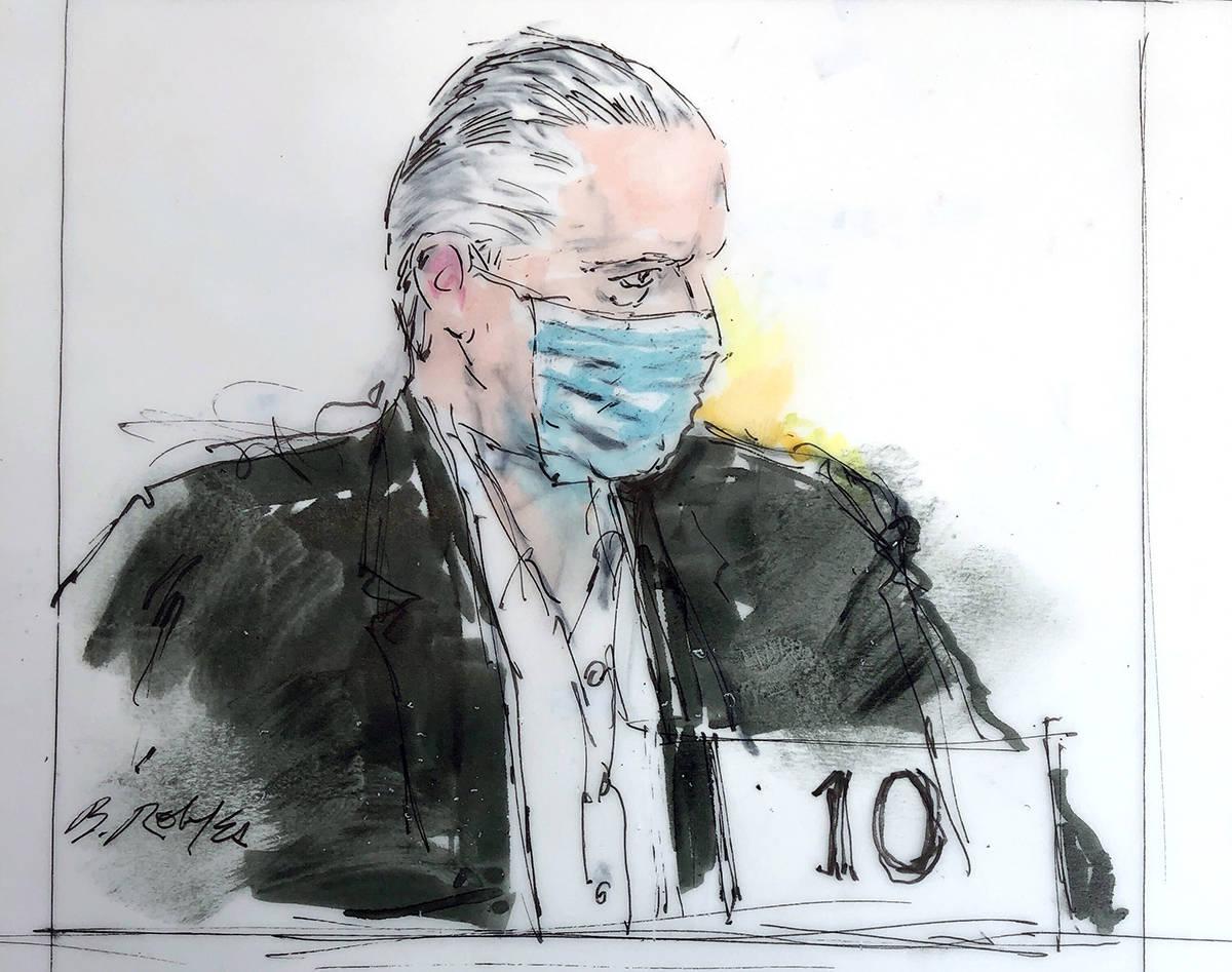 En este dibujo de la sala del tribunal del 16 de octubre de 2020, el ex-secretario de defensa m ...