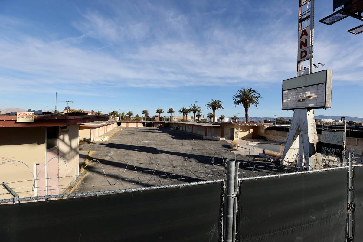 White Sands Motel en 3889 Las Vegas Blvd. al sur del Strip el lunes, 11 de enero de 2021. (K.M. ...