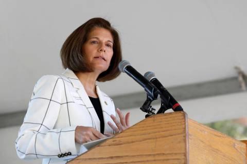 La senadora Catherine Cortez Masto, demócrata por Nevada, habla en la 23ª Cumbre Anual de Lak ...