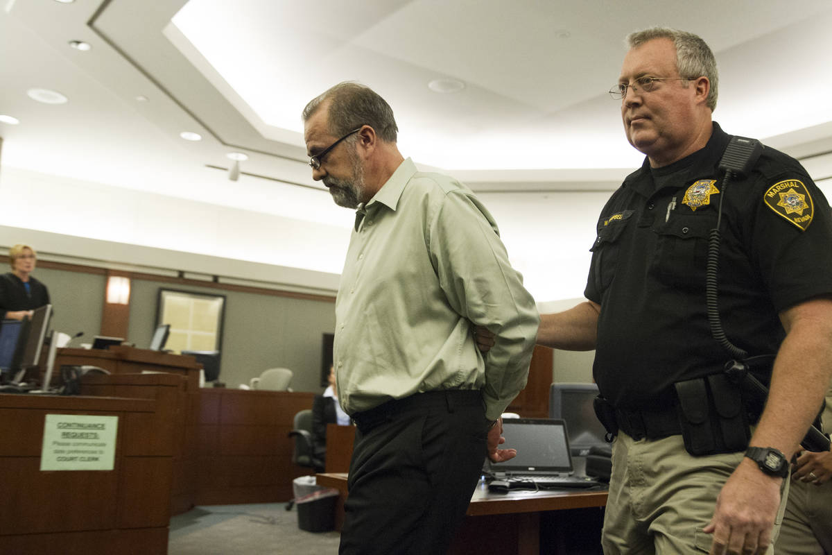 El ex abogado Robert Graham, acusado de estafar más de 16 millones de dólares a sus clientes, ...