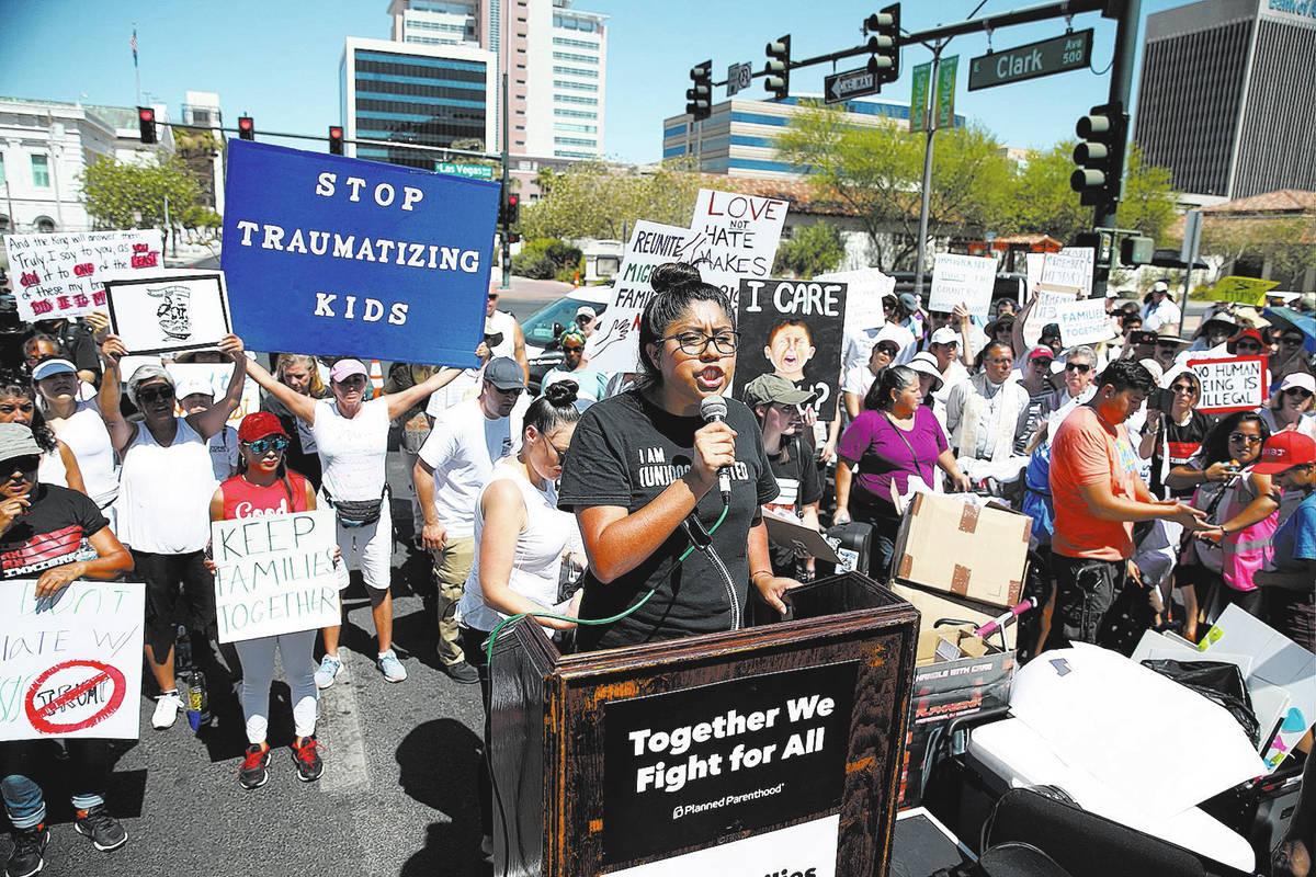 En esta foto de archivo, Erika Castro, organizadora de PLAN Nevada, habla durante una manifesta ...
