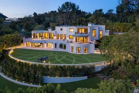 El promotor de casinos Steve Wynn está intentando vender esta mansión en Beverly Hills, Calif ...