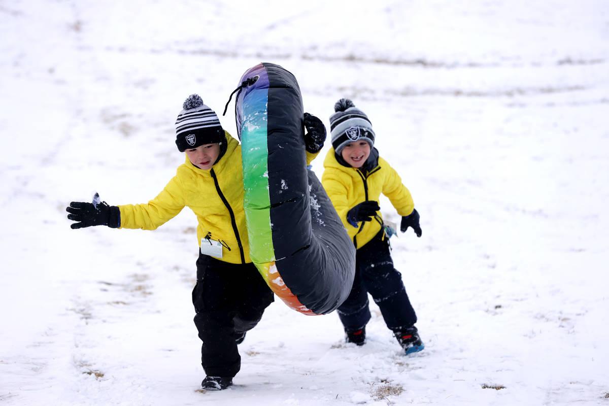 Se pronostica que las condiciones meteorológicas serán frías y tranquilas el jueves, 28 de e ...