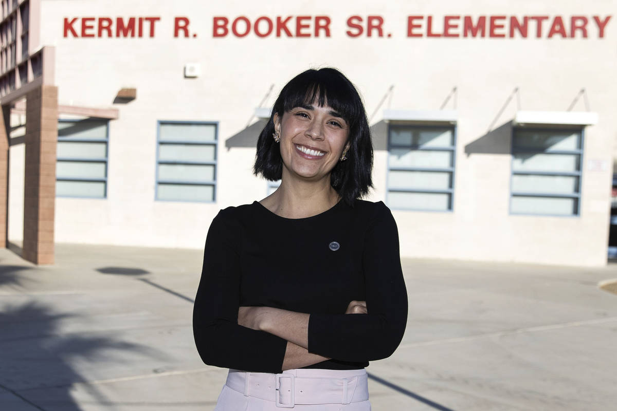 Juliana Urtubey, estratega de aprendizaje en la Primaria Booker Sr. Innovative, el 13 de noviem ...