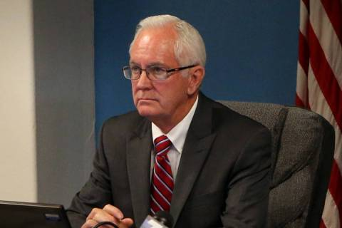 El sargento de armas de la Asamblea de Nevada, Robin Bates, mostrado durante una audiencia de l ...