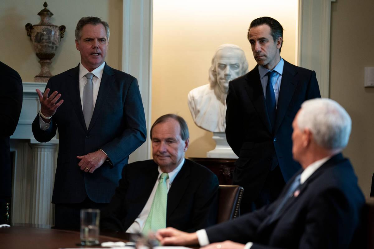 En esta foto de archivo del 17 de marzo de 2020, James Murren, presidente y director ejecutivo ...