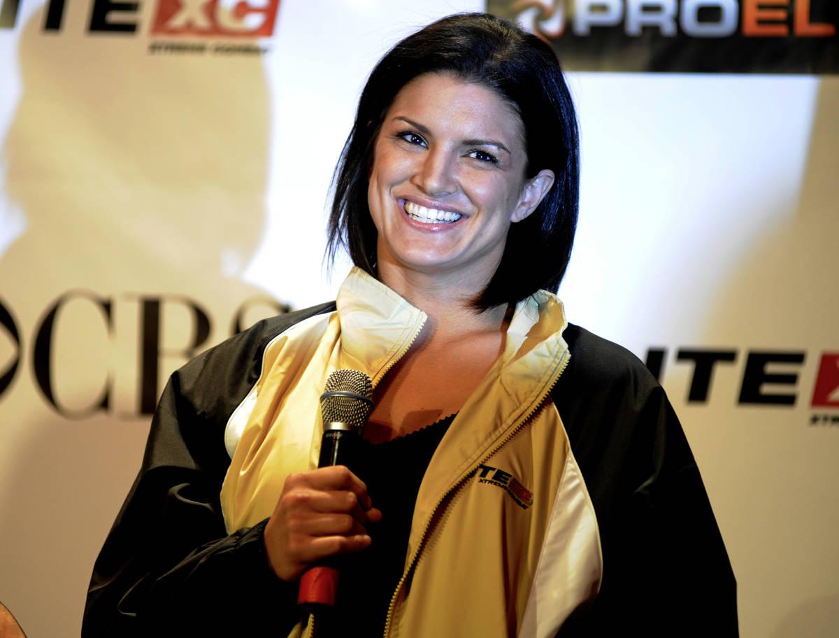 La luchadora de artes marciales mixtas Gina Carano, en 2008. (Archivo de AP)