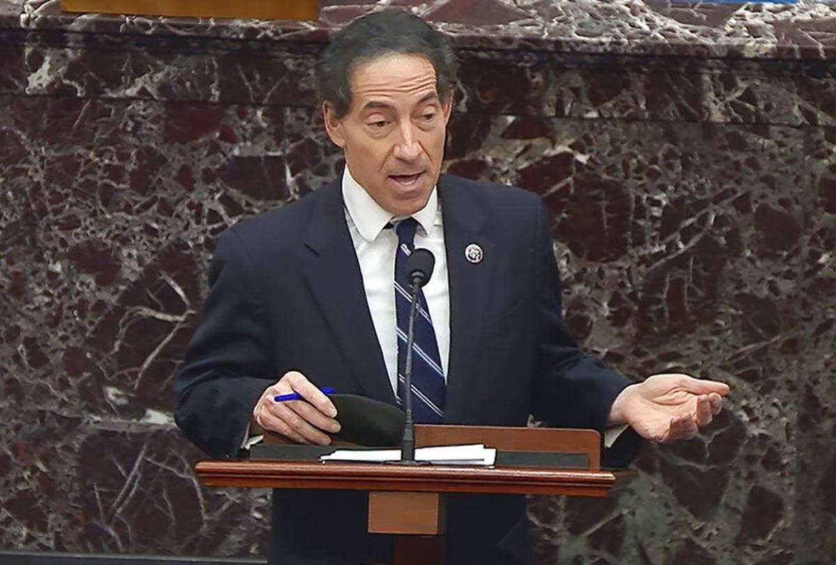En esta imagen de un video, el gestor de la destitución en la Cámara de Representantes, el de ...