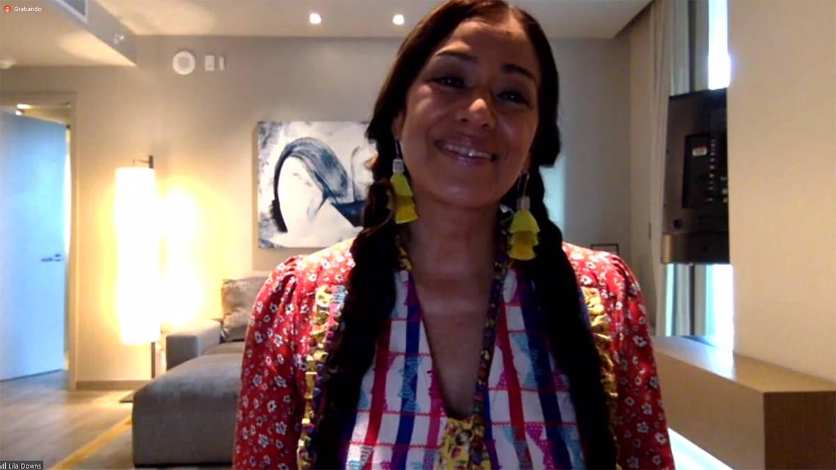 Lila Downs participó en una conferencia de prensa virtual durante la semana de la entrega del ...