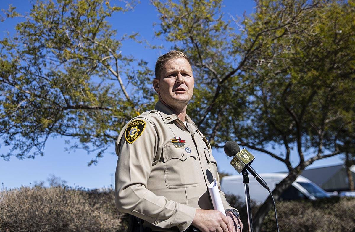 El capitán del Departamento de Policía Metropolitana del área de Summerlin, Fred Haas, habla ...