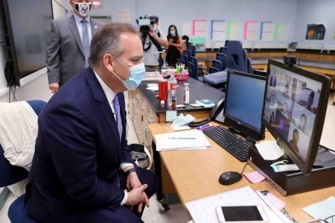En esta foto de archivo, el superintendente del Distrito Escolar del Condado Clark, Jesús Jara ...